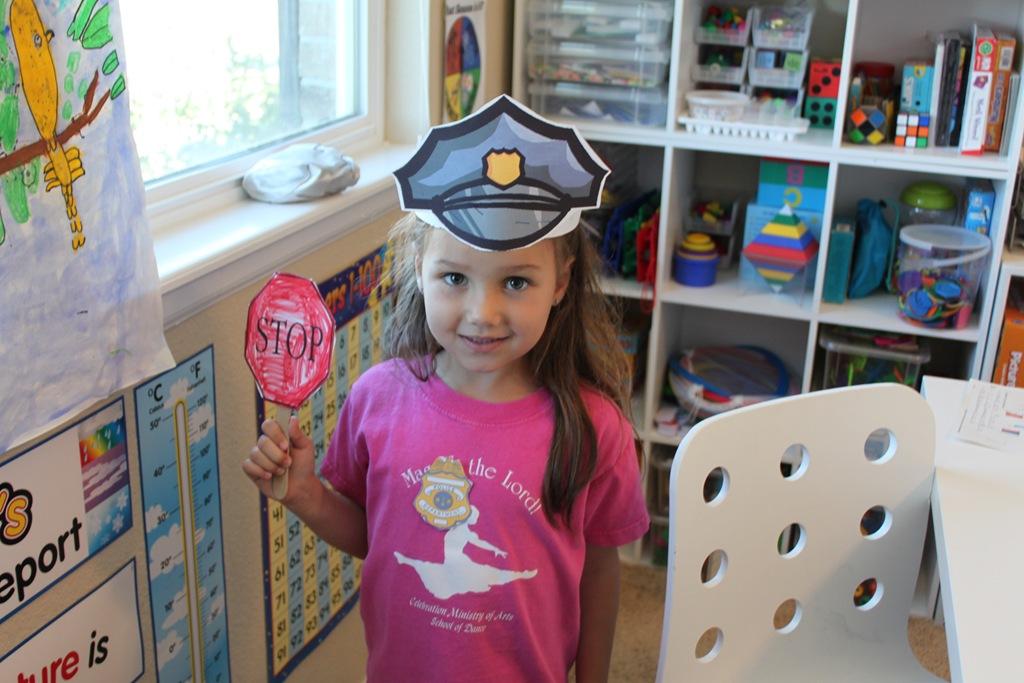 Kindergarten Police Officer Printables - Confessions of a ...